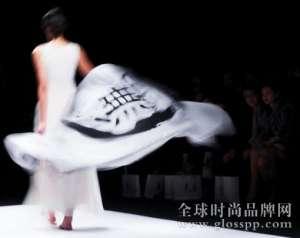 资讯生活上海时装周-让时间给时尚一个说法